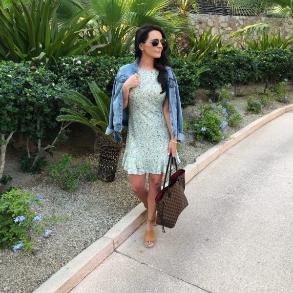 DENIM AND FLORAL LOOK